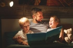 dad and family reading